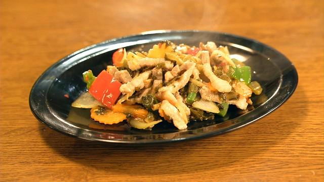 「ノング・インレイ」のシャン風豚高菜炒め